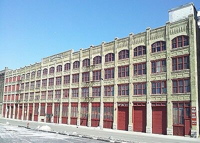 Historic warehouse office 340,000 sq.ft. Lindsay and Walsh Building Milwaukee on Rummage