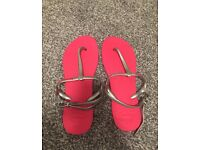 Brand new pink havaianas size 6/7