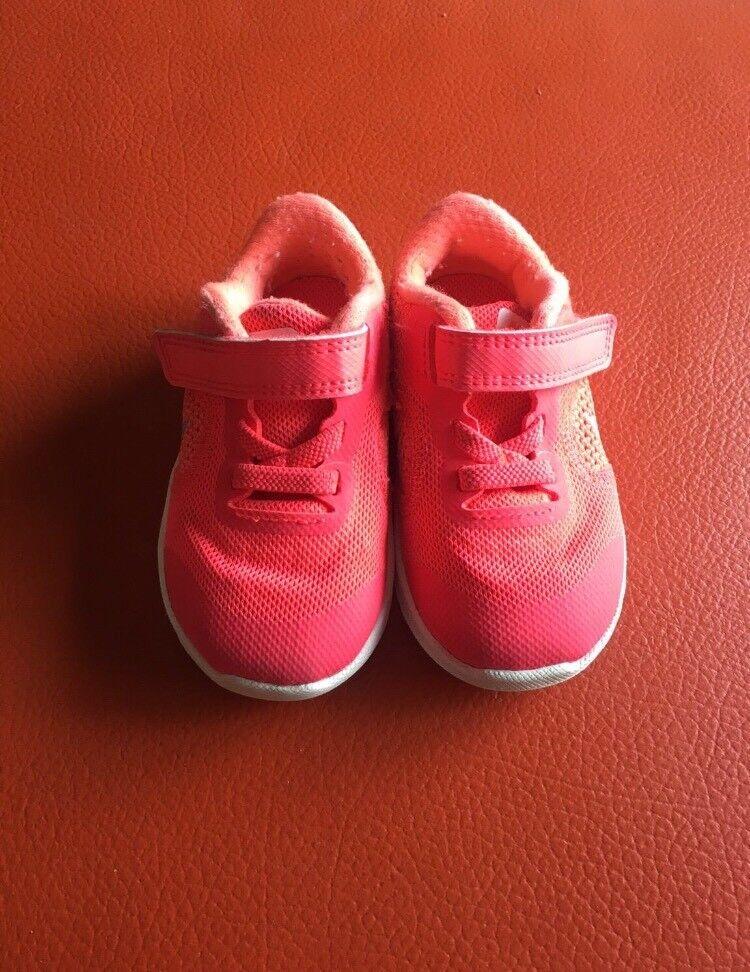 Nike trainers 4.5