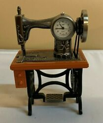 Cute Mini Sanis Quartz Old Fashioned Sewing Machine Desk Clock