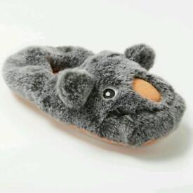 MOZ MOZ MOZ SLIPPERS,ADULT SIZE 6