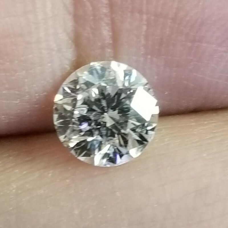 2.50 Carats Moissanite Diamond Round Cut 9mm ,White Color G VS1