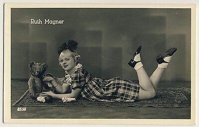Opera Singer RUTH MAGNER & TEDDY BEAR / TEDDYBÄR Oper * Vintage 40s Photo PC