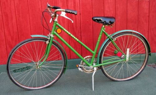 Vintage Womens JOHN DEERE Touring Bicycle Bike