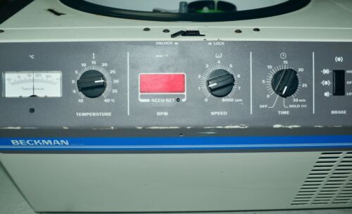 Beckman GS-6R Benchtop Centrifuge refrigerated with rotors and buckets - Works