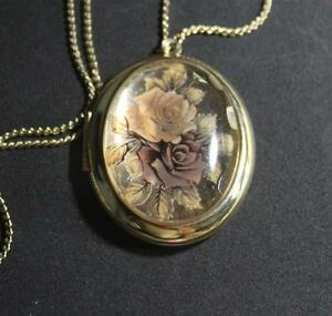 Beautiful Rose locket signed 1928 Co. Beautiful Condition