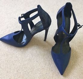 Paper Dolls high heels shoes Deep blue sz 6
