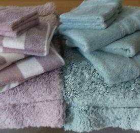 Towels and bath mats sets