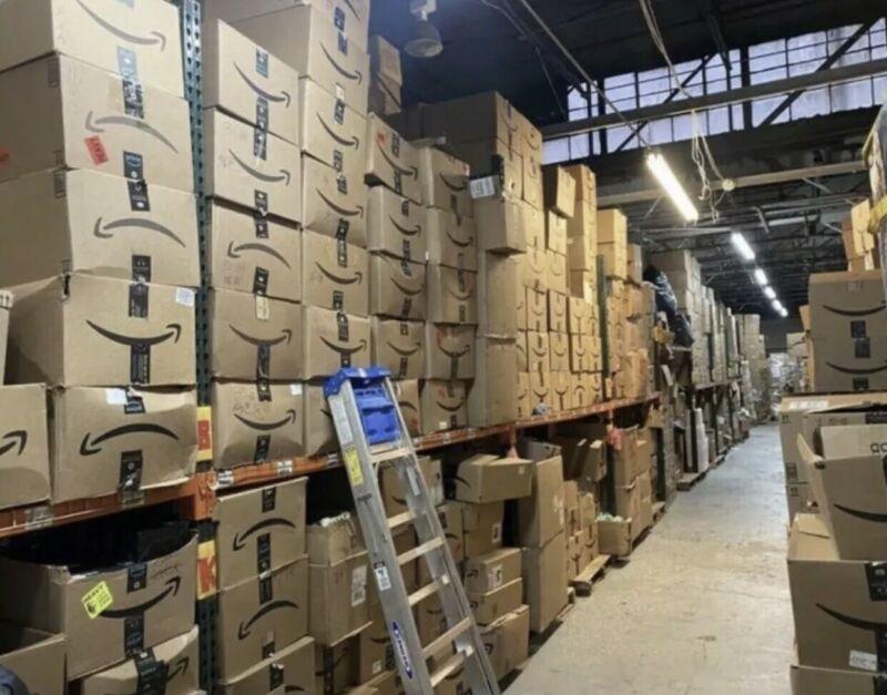 Box Amazon Wholesale Lot MSRP $500 VALUE Electronics, Accessories, General Merch