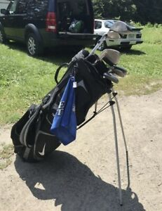 Nike golf set with bag included