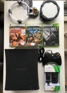Xbox 360 Elite 120GB Console Bundle
