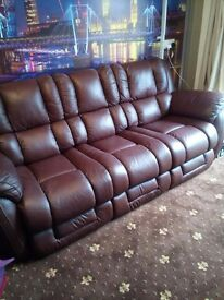 LAZY-BOY 3 SEATER SOFA AND ARMCHAIR ONLY 8 MONTHS OLD £540(GENUINE BARGAIN)