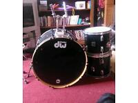 Dw bass drum, two tops and snare
