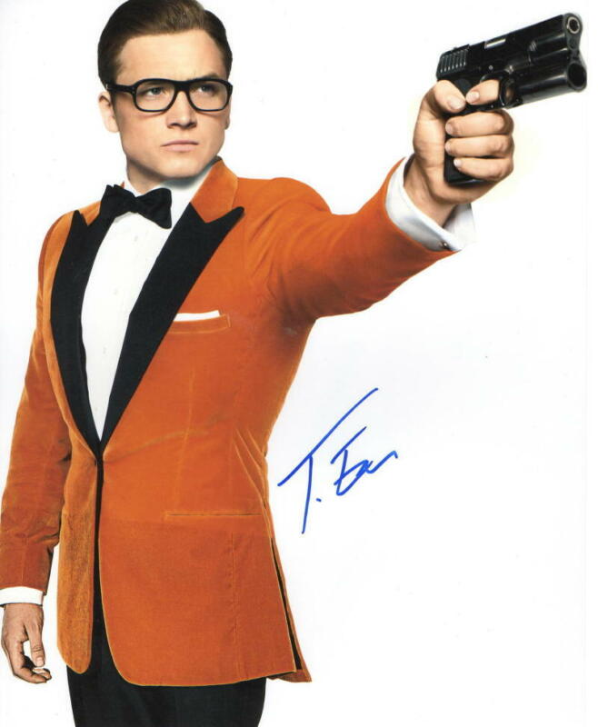 TARON EGERTON SIGNED 8X10 PHOTO KINGSMAN AUTHENTIC AUTOGRAPH COA C