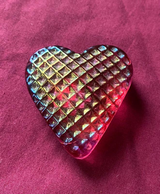 "Vintage ROBERT HELD Art Glass HEART Iridescent Pink 2.5"" Signed RHAG Made Canada"