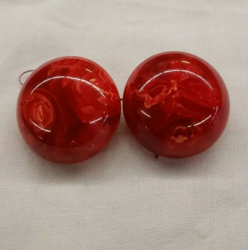 """Vintage Bakelite Cherry Red Opaque Marbled 1.2"""" Round Clip Earrings Jewelry"""