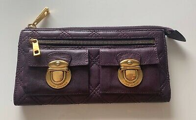 Authentic Marc Jacobs Purple Leather Push Lock Quilted Zip Clutch Wallet Push Lock Wallet