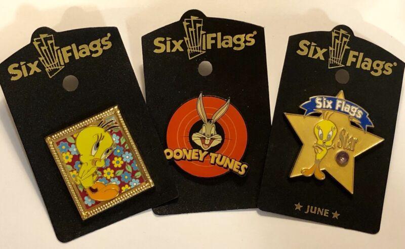 3 Collectible Bugs Bunny, Tweety Bird, Six Flags Pins