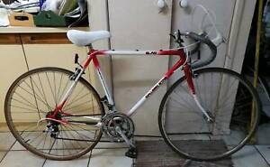 BARGAIN GREAT 57cm Red MALVERN STAR Road RACER Bike Bicycle ALLOY