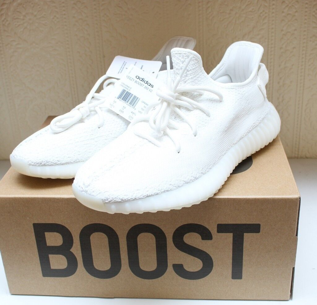 9fc73fa9f1b8e YEEZY BOOST 350 V2 - BRAND NEW with box labels - TRIPLE WHITE - UK SIZE 10