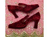 Tudor/ Renaissance Style Embroidered Velvet Shoes: Size 40.Unisex Period Costume/Fancy Dress/Theatre