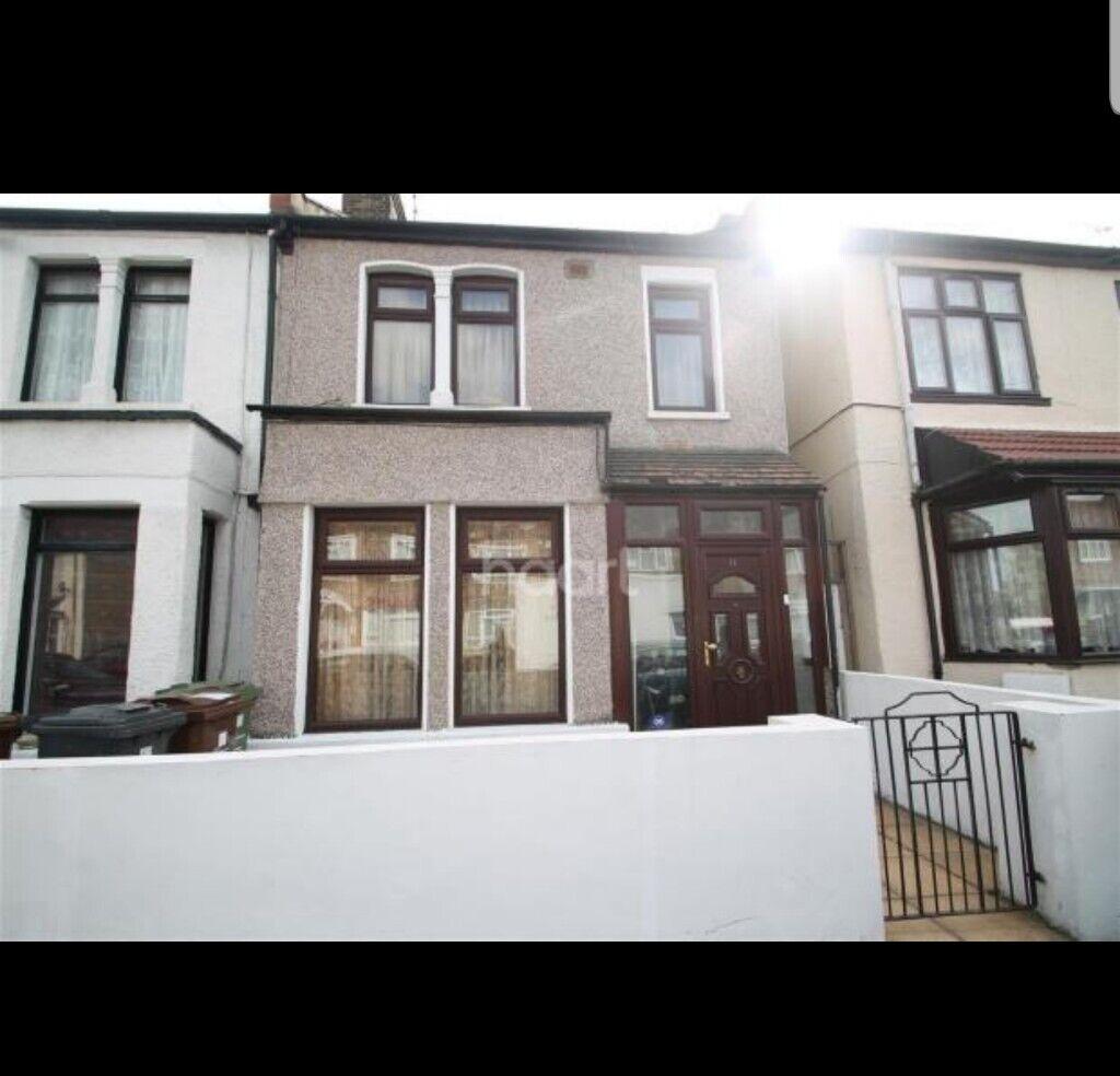 3 Bedroom House Rent Looking: 3 Bedroom House To Rent In Barking IG11