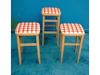DINING / LIVING / SHABBY CHIC SOLID WOOD CHALK GREY 3 KITCHEN BAR STOOLS