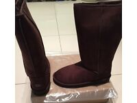 UGG BOOTS CLASSIC TALL 5815 + free UGG EARMUFFS SIZE 7 and 8 uk only