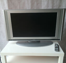 "32"" Funai Tv with stand and remote - STA21"
