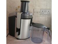 Juicer - Whole fruit juicer