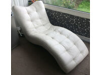 White Leather Chaise Longue - Enderby - Collection Preferable - STA21