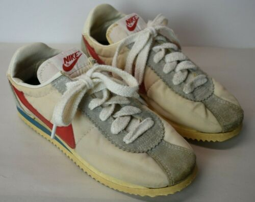 Vintage Boys Nike Sneakers Running Shoes Cortez 810911CH sz 4