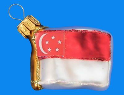 SINGAPORE MINI FLAG EUROPEAN BLOWN GLASS CHRISTMAS TREE ORNAMENT INTERNATIONAL ()