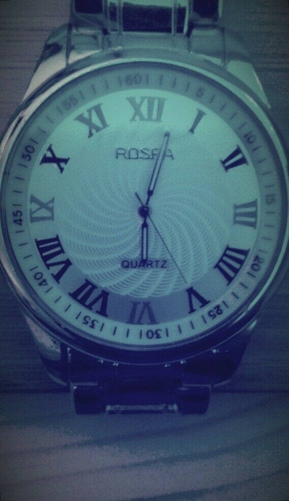 ROSRA Quartz Watch with White face