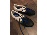 Sondico boys football boots U.K. 3