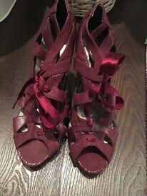 **SIMPLE NEW LOOK MAROON GLADIATOR STYLE HEELS- Size 8 ONLY £10.50*