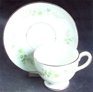 Wedgewood, Westbury footed cups & saucers fine china London Ontario image 2
