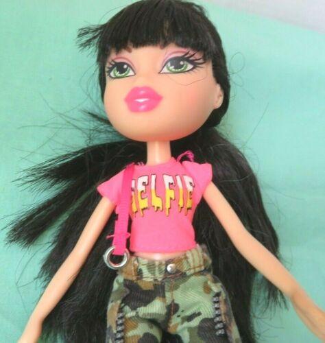 "Bratz 2015 JADE SELFIE SNAPS 10"" DOLL w/  camouflage pants black hair"