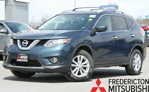 2016 Nissan Rogue SV AWD | TECH PKG | SUNROOF | NAV