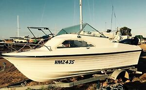5m half cabin with 2009 yamaha v4 115 Marion Marion Area Preview