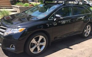 2016 Toyota Venza XLE AWD REDWOOD Edition (Lease takeover)