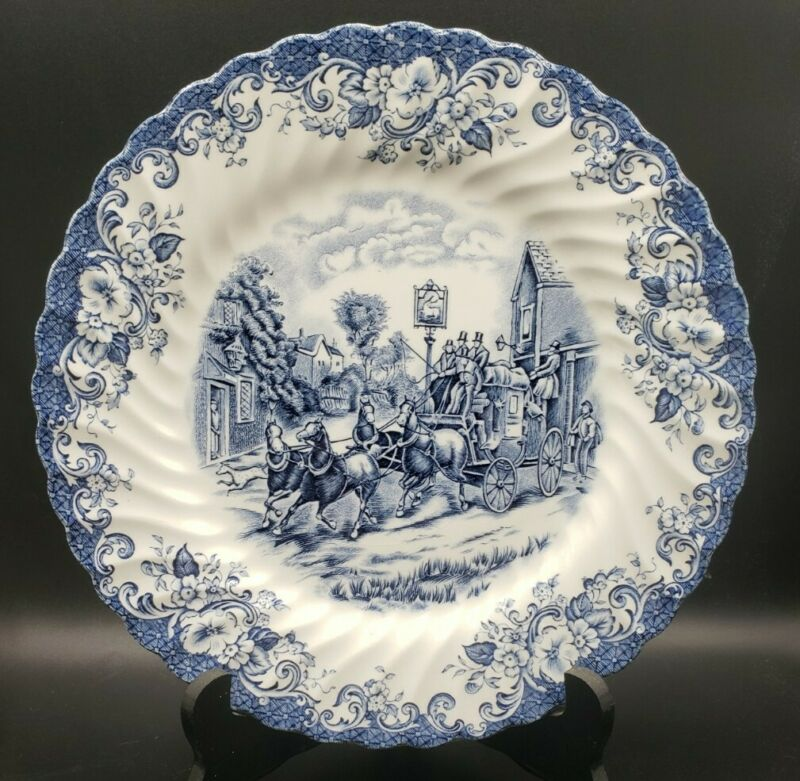 """Johnson Brothers Coaching Scenes Blue & White Dinner Plate 10"""" Vintage"""