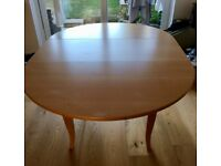Dining Table - Round extending table - Seats 4 - 6 people