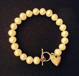 Pearl bracelet by Martick