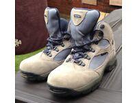 Ladies Hitec walking boots