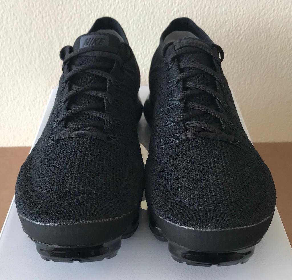 4d65395f5b5 Nike Air Vapormax Flyknit 2.0  Triple Noir  UK 9.5   10 - 849558 011 ...