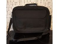 """Black Laptop Carry Case/ Bag [Would suit smaller laptops/notebooks 15"""" and up]"""