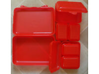 7 x PICNIC/CAMPING FOOD CONTAINERS--STRONG PLASTIC WITH CLIP LOCKS--NEW
