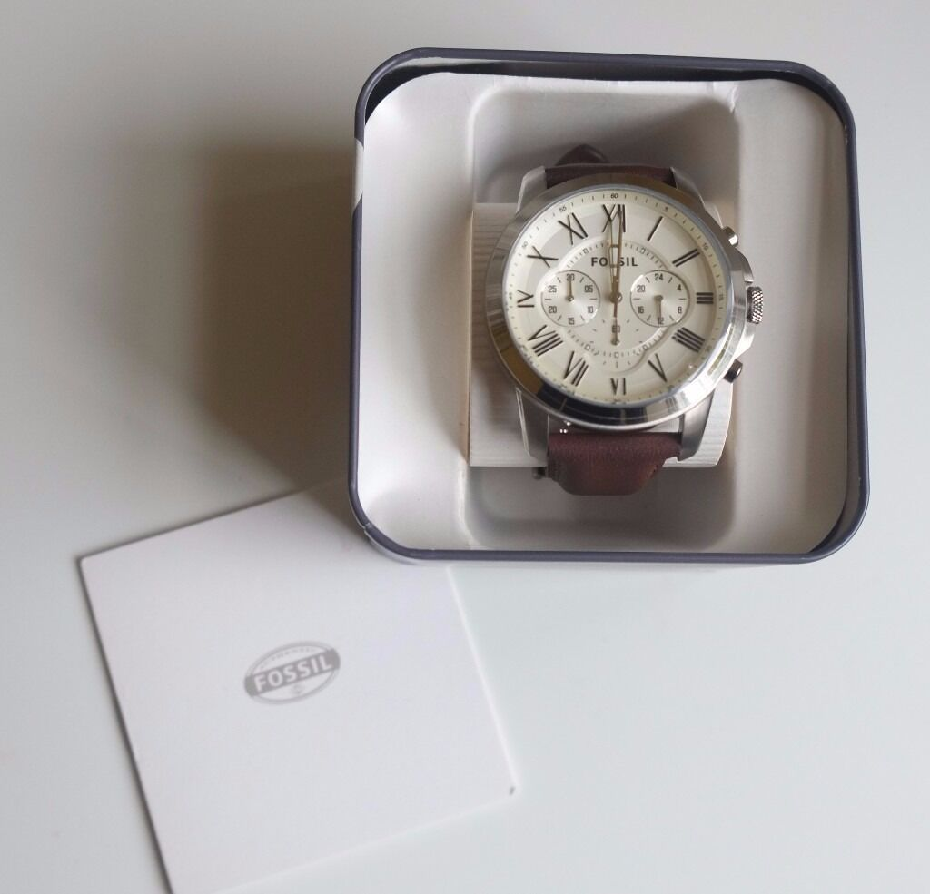 Fossil Mens Grant Chronograph Watchin Meadows, EdinburghGumtree - Fossil Mens Grant Chronograph Watch Barely used and in pristine condition I received the watch in January as a Birthday gift but hardly wore it as I got an Apple watch from someone else. Included The watch comes with Fossil watch tin, instruction...