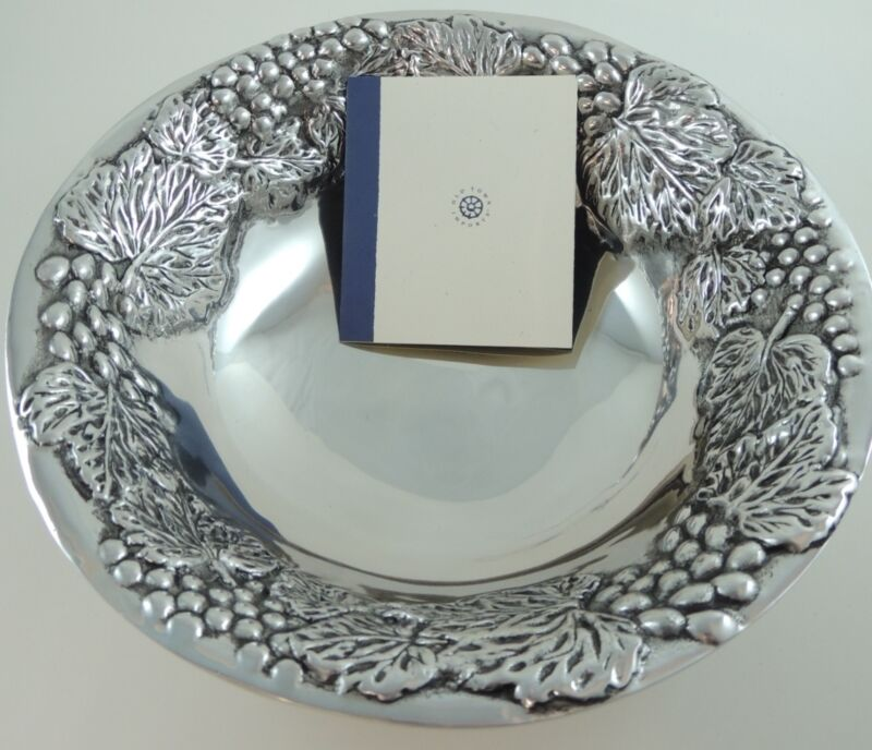 NEW Old Town Imports Silver Aluminum Grape Serving Bowl
